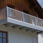 Staketen Geländer mit Rahmen oben